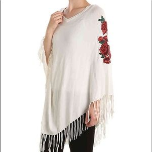 Rose embroidered poncho 🌹